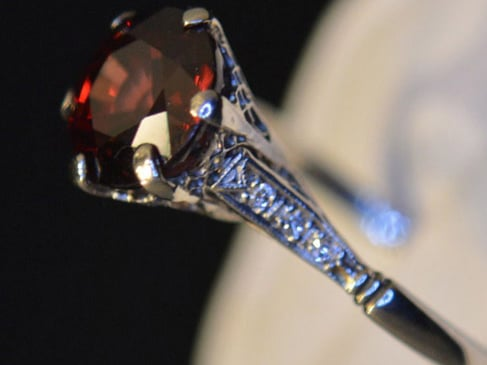 R. Alan Macy Jewelers